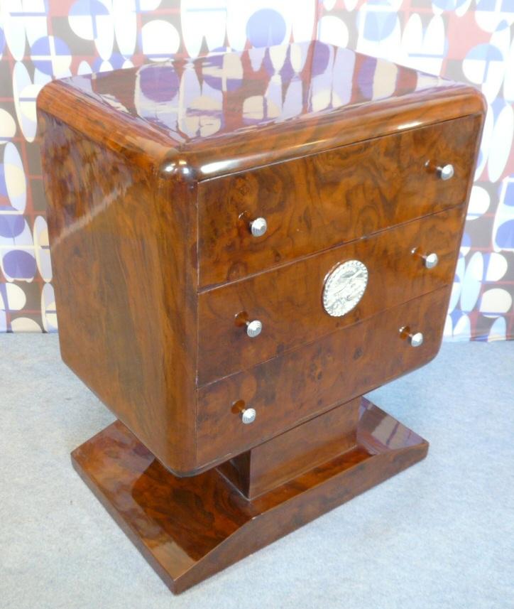commode style art d co meubles art d co lampe tiffany fauteuil baroque vase m dicis. Black Bedroom Furniture Sets. Home Design Ideas