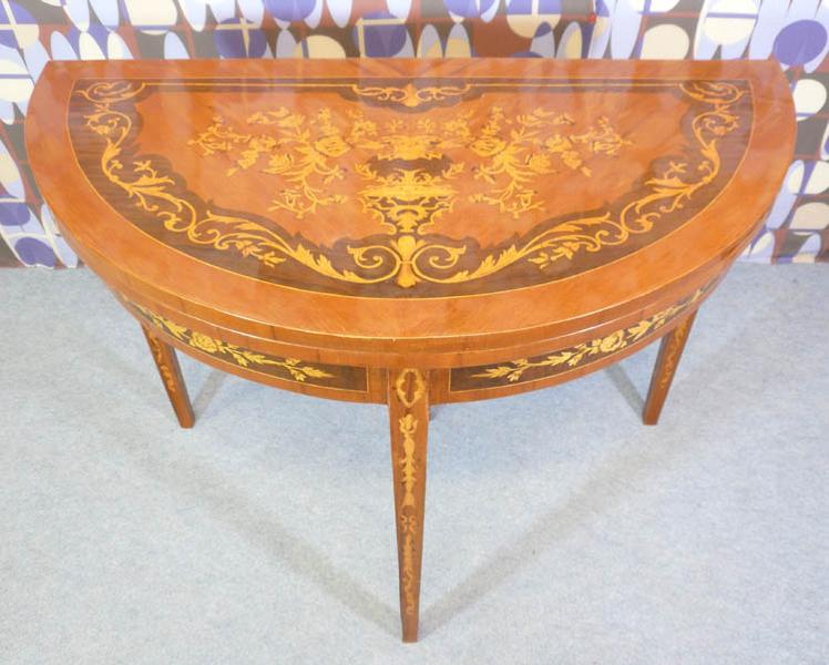 Table jeux style louis xvi meubles art d co lampe tiffany fauteuil baroque vase m dicis - Meuble tiffany ...