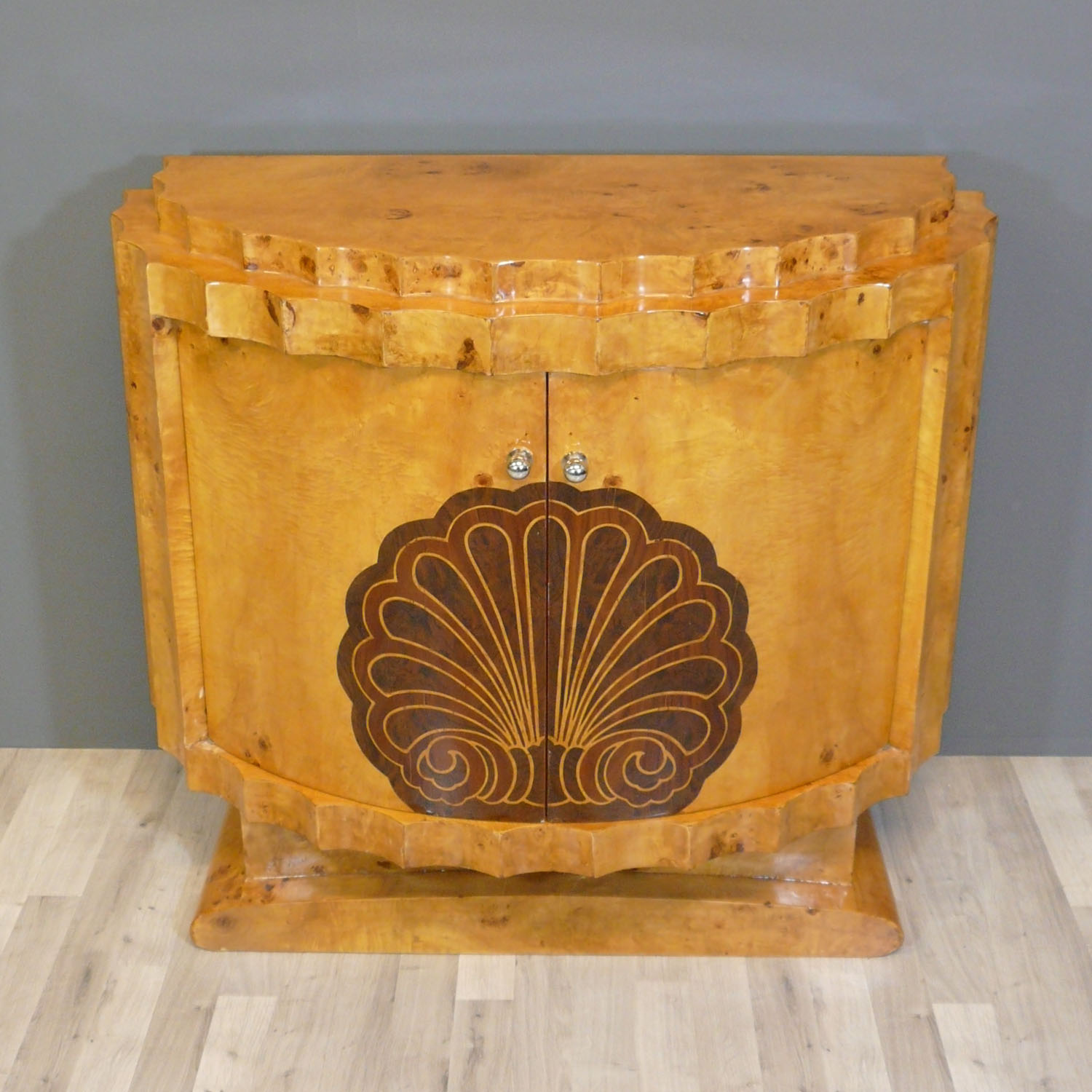 Beaux meubles on pinterest art deco buffet and arts and for Meuble art deco belgique