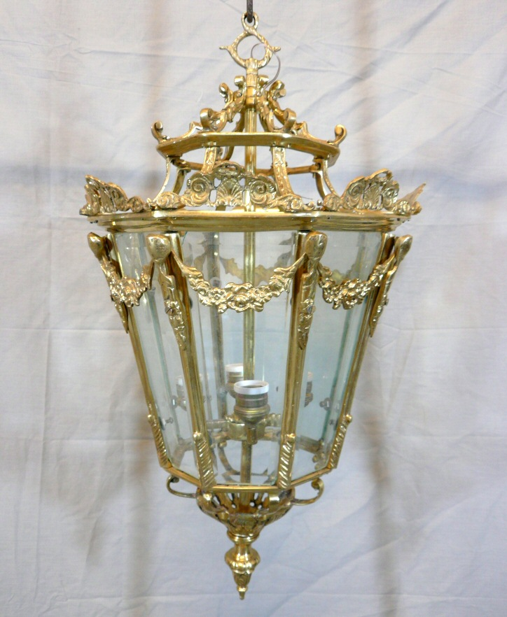 Lanterne en bronze style louis xv meubles art d co lampe tiffany fauteuil baroque vase - Meuble tiffany ...