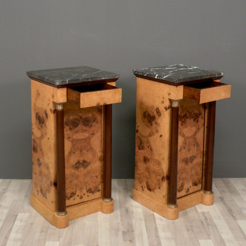 Coppia di tavoli comodini stile impero mobili for Stile impero arredamento