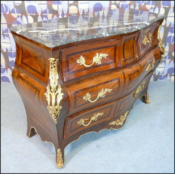 17 meilleures id es propos de commode baroque sur pinterest deco baroque commode baroque rouge. Black Bedroom Furniture Sets. Home Design Ideas
