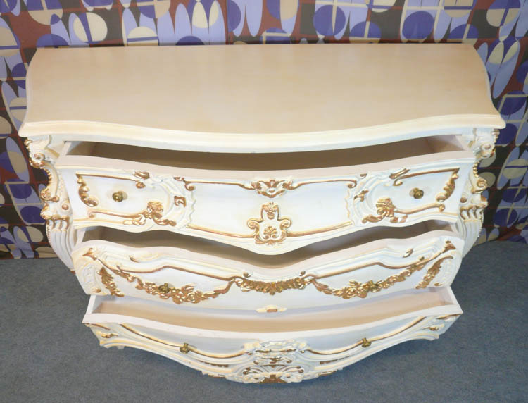 commode baroque blanche commode baroque white chests. Black Bedroom Furniture Sets. Home Design Ideas