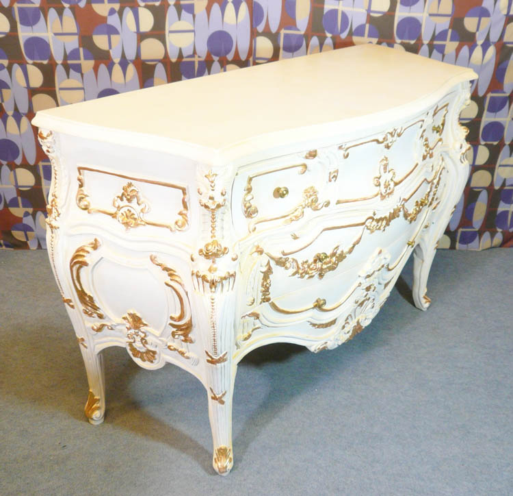 Simple commode baroque de style louis xv blanche with - Maison du monde commode baroque ...