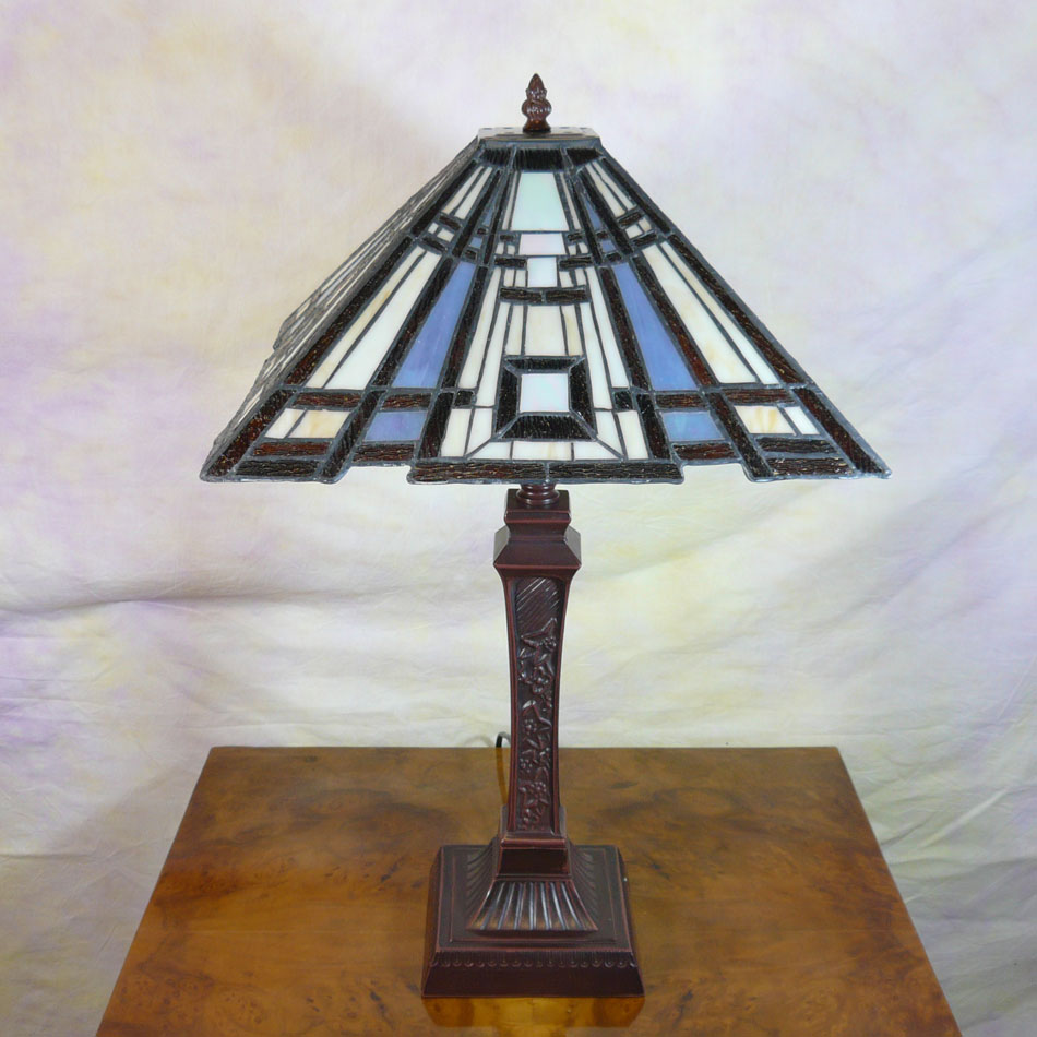 Art deco style lamp tiffany tiffany lamps bronze for Art deco style lamp