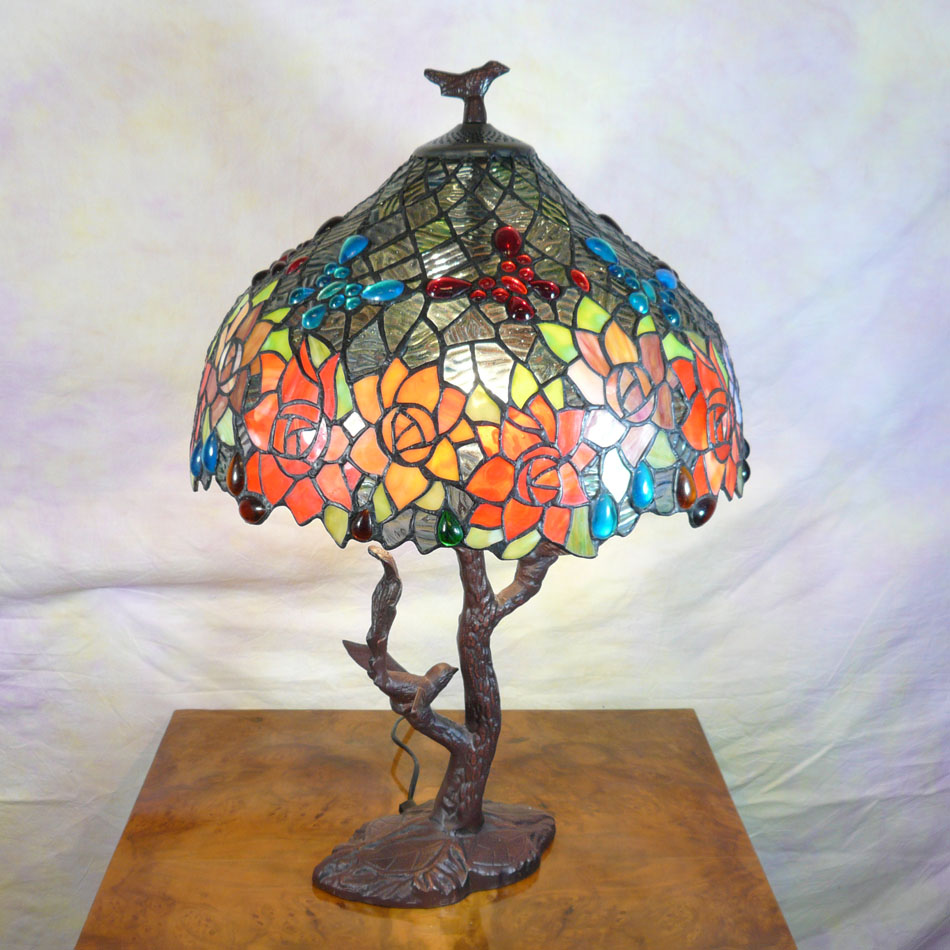 Tiffany Lamp With Birds Chandeliers