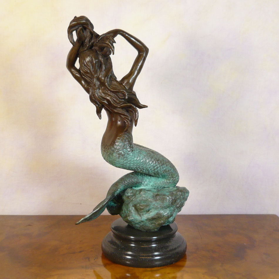 Woman bronze statue bronze sculptures bronzes art deco for Statue deco jardin