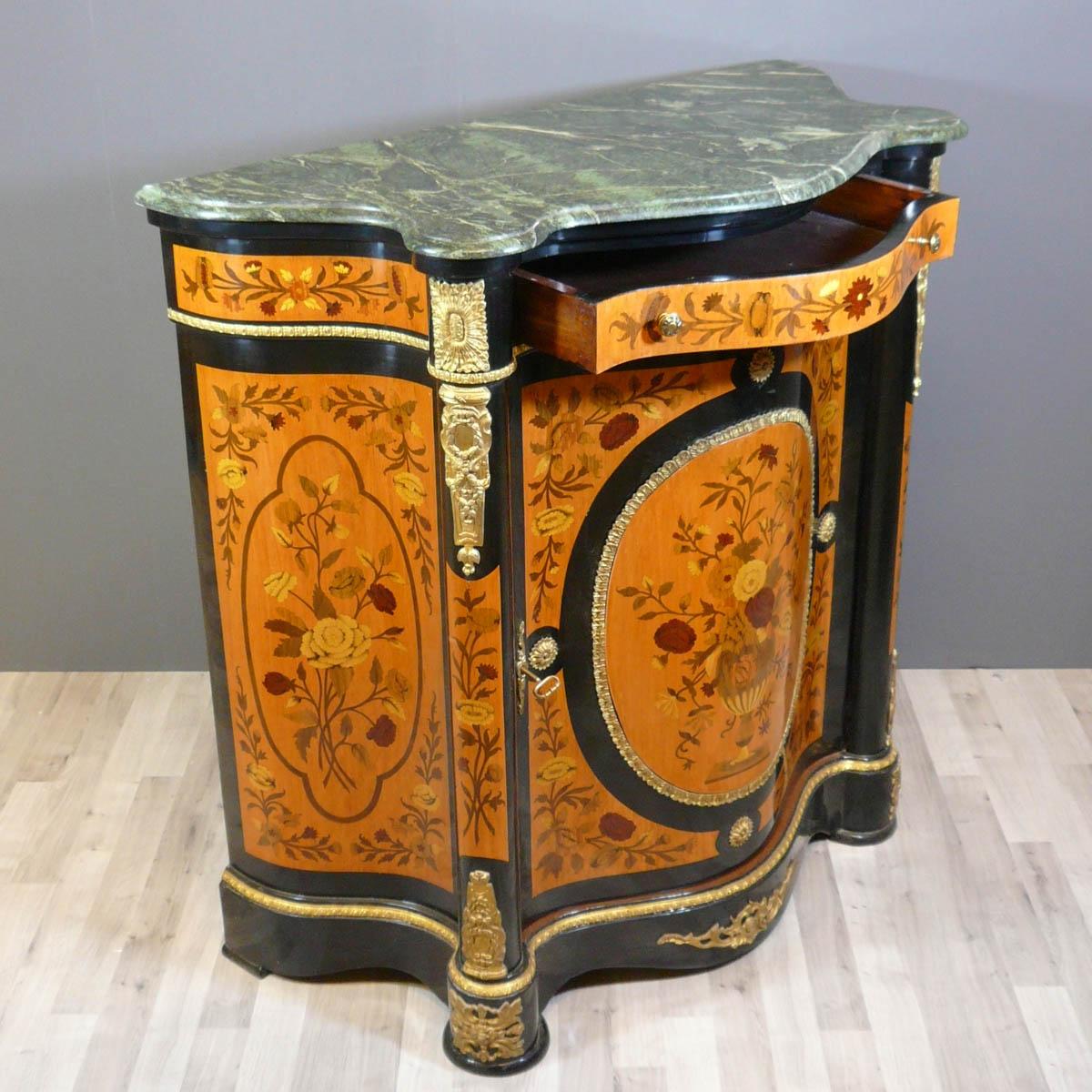 Buffet napoleon iii meubles de style for Meuble style napoleon 3