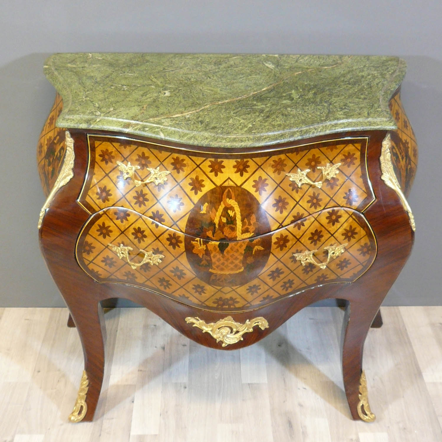 commode louis xv commodes louis xv. Black Bedroom Furniture Sets. Home Design Ideas