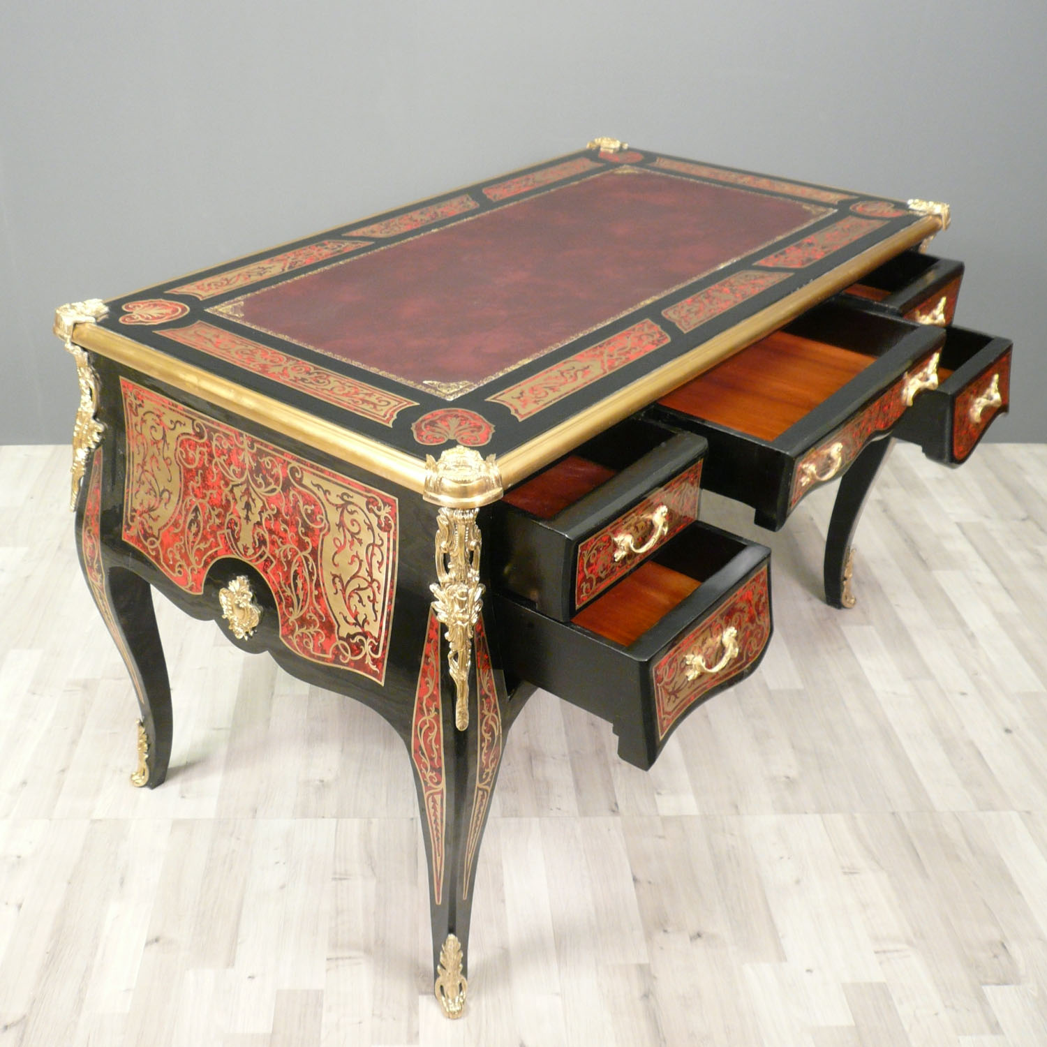 bureau louis xv en marqueterie boulle bureau louis xv. Black Bedroom Furniture Sets. Home Design Ideas