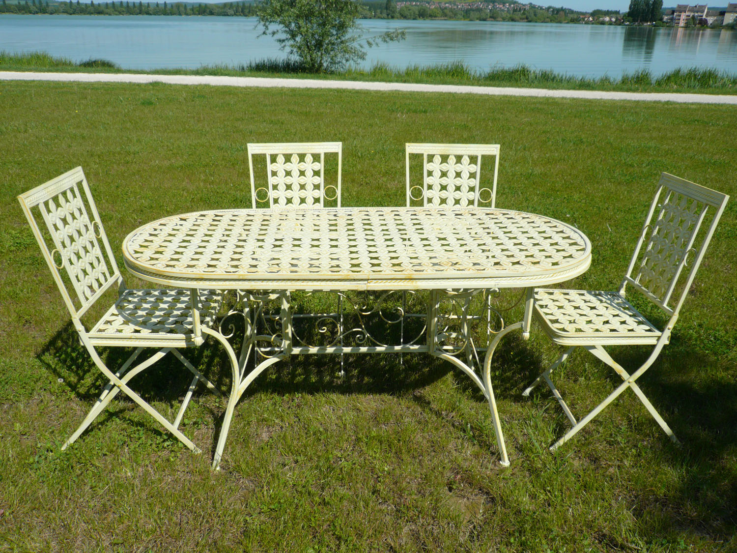 Salon de jardin en fer forg tables chaises bancs - Salon de jardin en fer colore ...