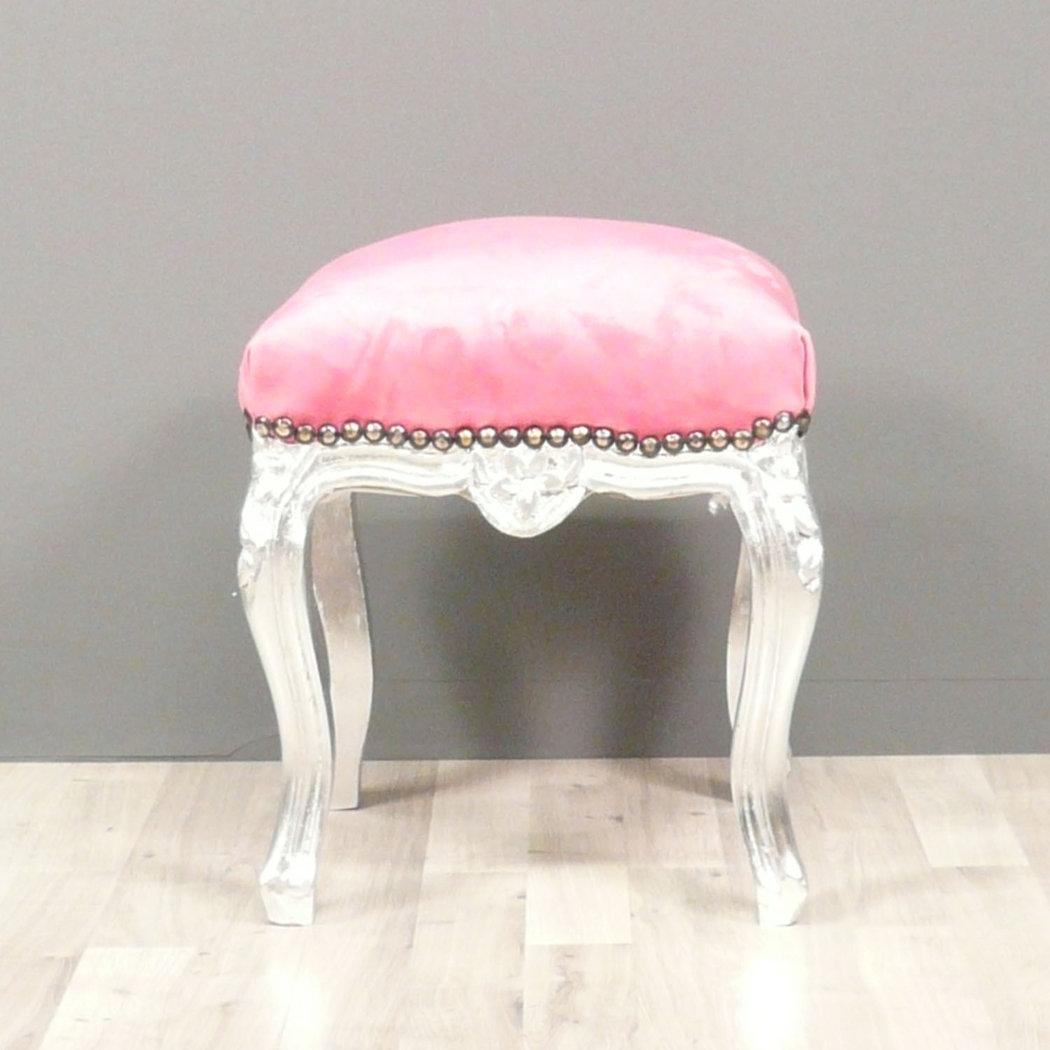 pouf rose. Black Bedroom Furniture Sets. Home Design Ideas