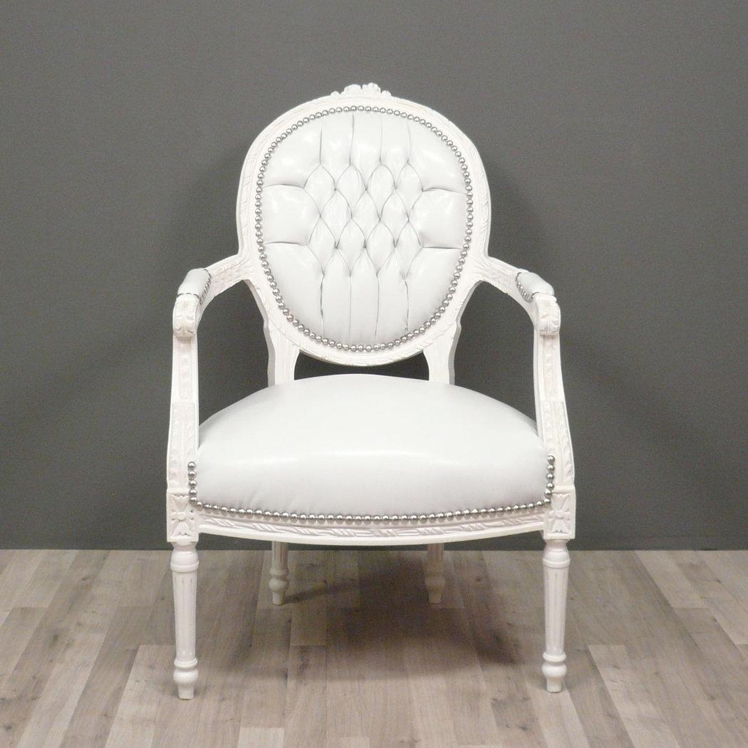 http://www.royaldecorations.fr/WebRoot/StoreLFR/Shops/62032137/5115/040B/B504/CA35/C8DC/C0A8/28BC/2AC1/fauteuil_louis_XVI.jpg