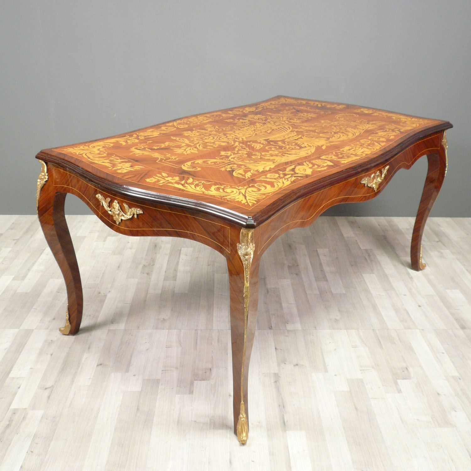 Table louis xv meubles de style for Meuble table