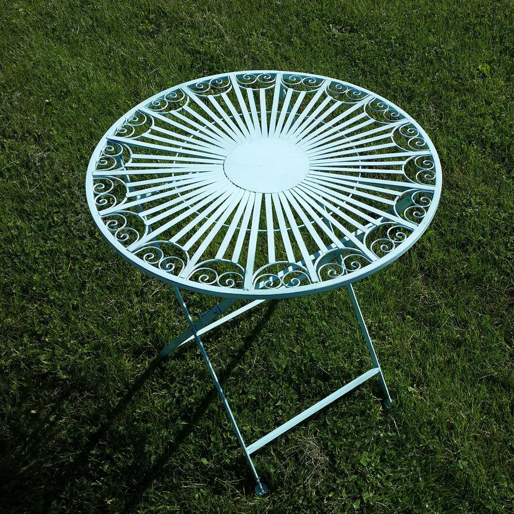 Salon de jardin en fer forg table chaise banc for Chaise de jardin fer