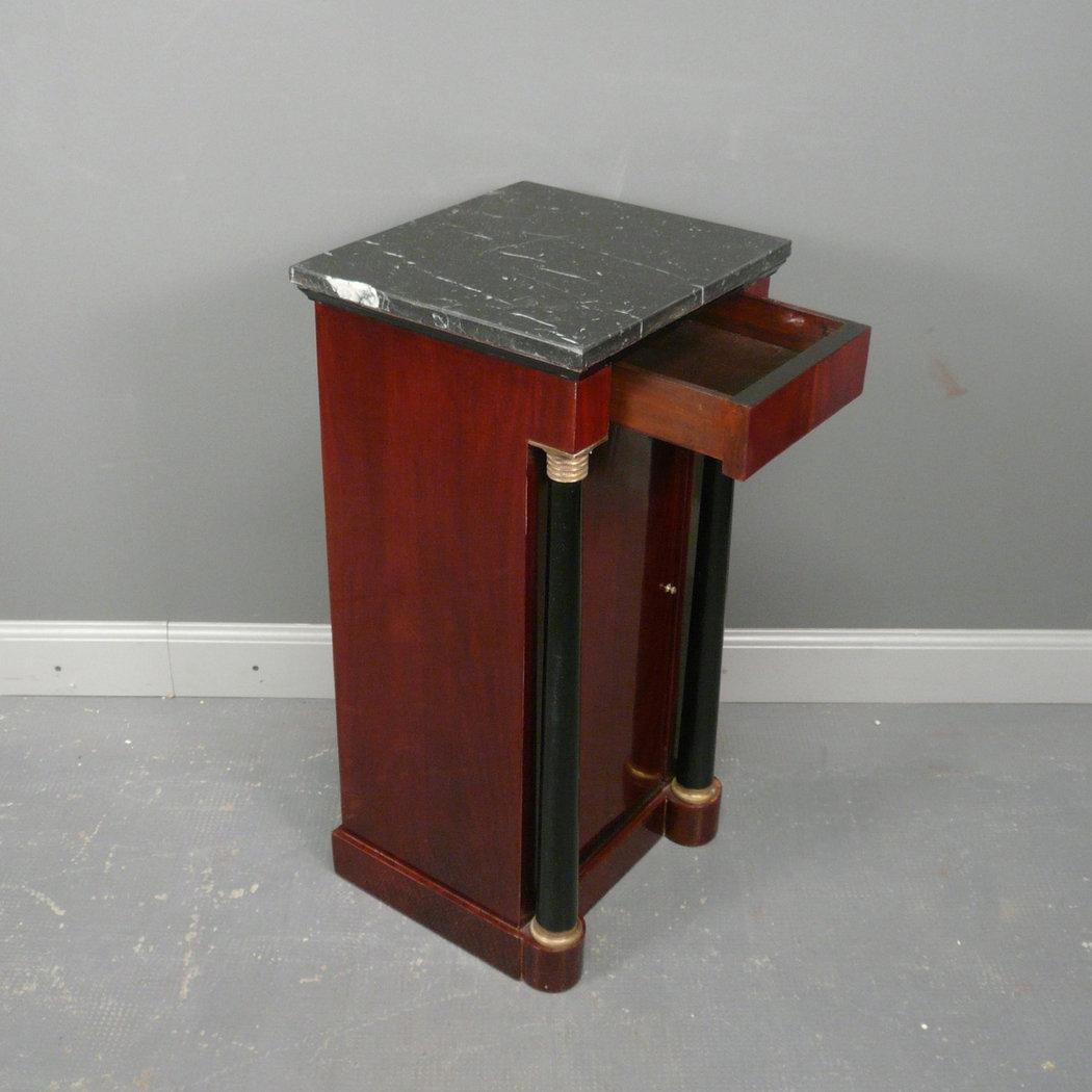 Paire de chevets empire meubles de style for Meuble empire