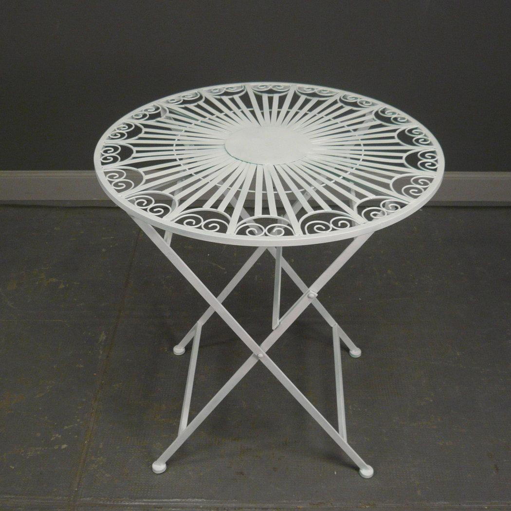 Salon de jardin en fer forg blanc avec deux chaises - Table fer forge blanc ...