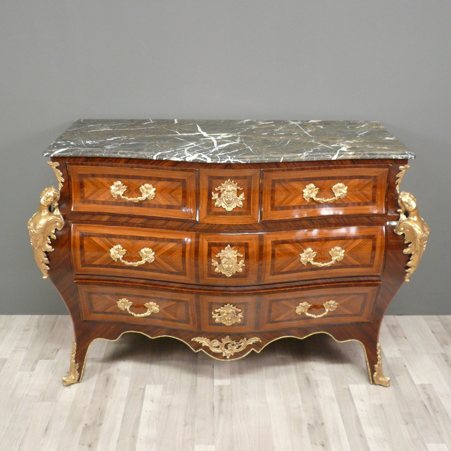 commode louis xv bureau louis xv. Black Bedroom Furniture Sets. Home Design Ideas