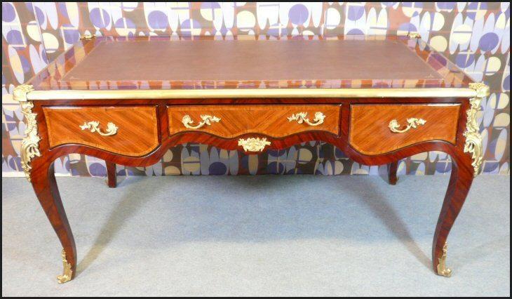 Le bureau de louis xv ce meuble est probablement leu flickr