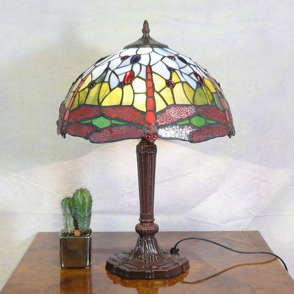 lampe libellules tiffany luminaires tiffany bureau louis xv commode louis xv meubles art. Black Bedroom Furniture Sets. Home Design Ideas