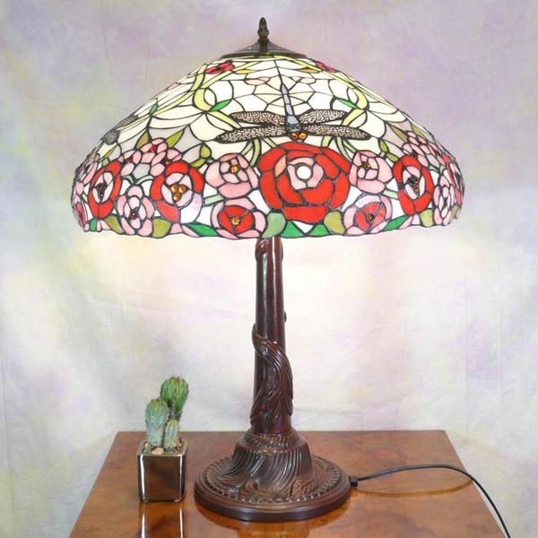 lampe de style tiffany meubles art d co lampe tiffany fauteuil baroque vase m dicis. Black Bedroom Furniture Sets. Home Design Ideas