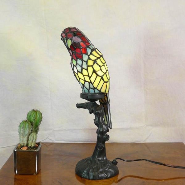 Wonderful Tiffany Lamp Parrot