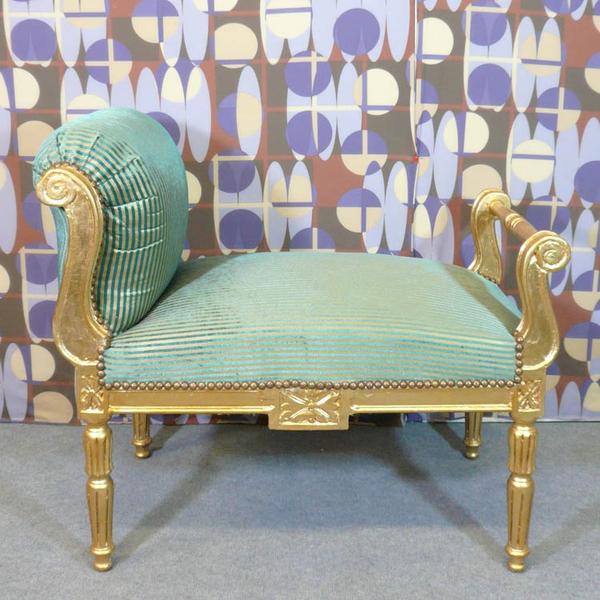 banquette style louis xvi verte et or meubles art d co lampe tiffany fauteuil baroque. Black Bedroom Furniture Sets. Home Design Ideas