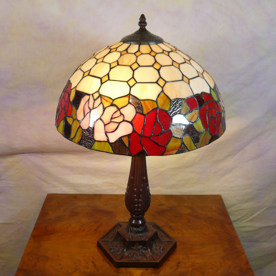 lampe tiffany mobilier art d co meubles baroques. Black Bedroom Furniture Sets. Home Design Ideas