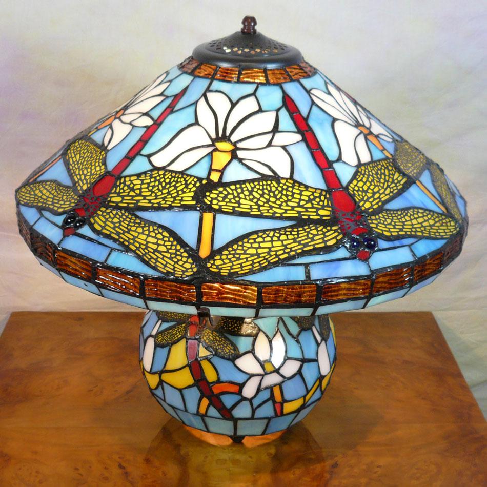Lampe tiffany luminaires tiffany pas cher meubles art d co - Meuble tiffany ...