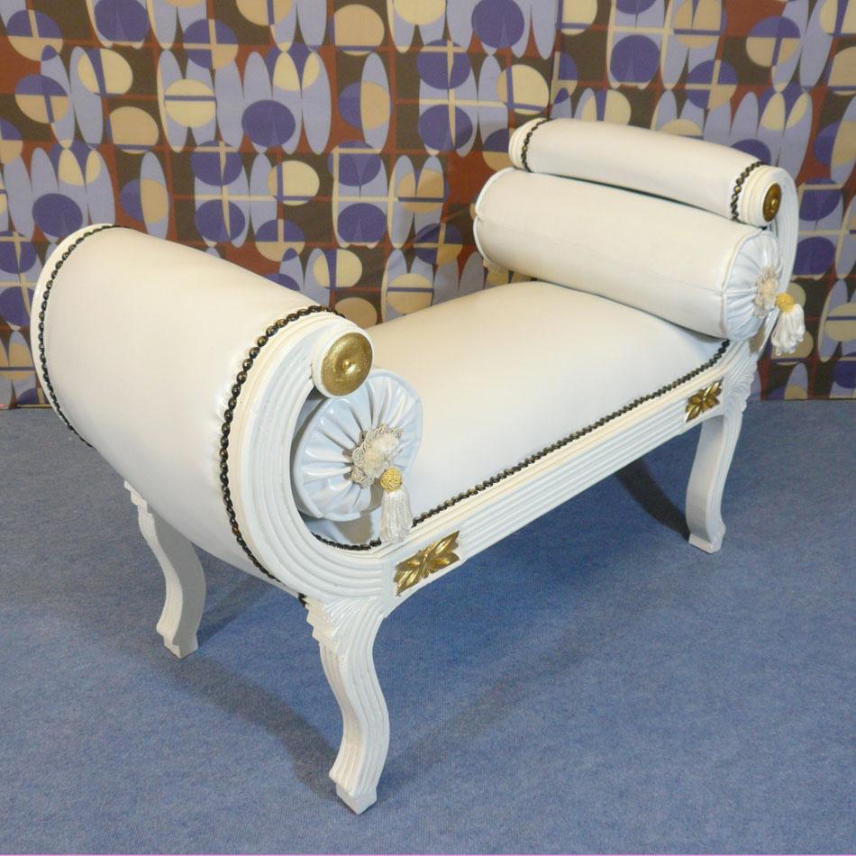 Banquette louis xv blanche de style baroque fauteuil baroque for Meuble tv louis xv