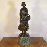 Bronze statues of women