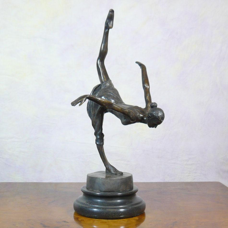 Dancer Riverenza Art Deco Statua In Bronzo Sculture