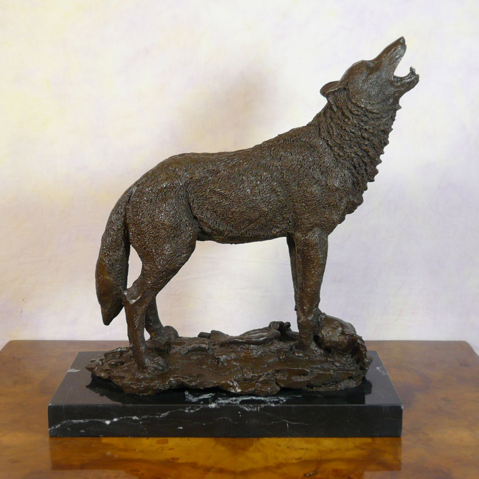 wolf howling at the moon bronze statue sculptures