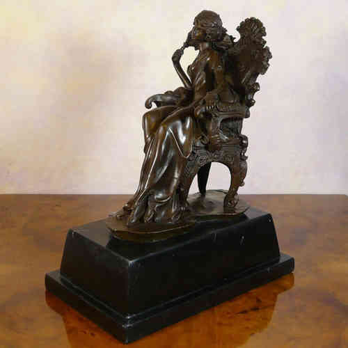 Woman sitting on a chair baroque - bronze statue