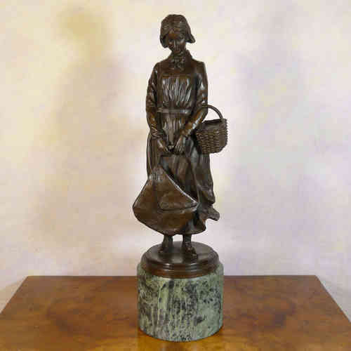 The woman to cart - Bronze statue