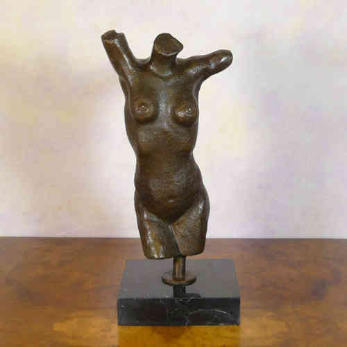 Statue en bronze nue antique