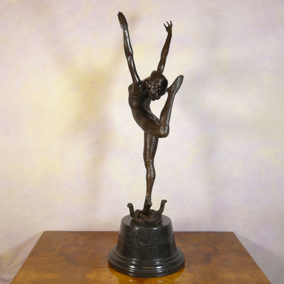 Art deco bronze statue snake dancer sculptures for Statue deco salon