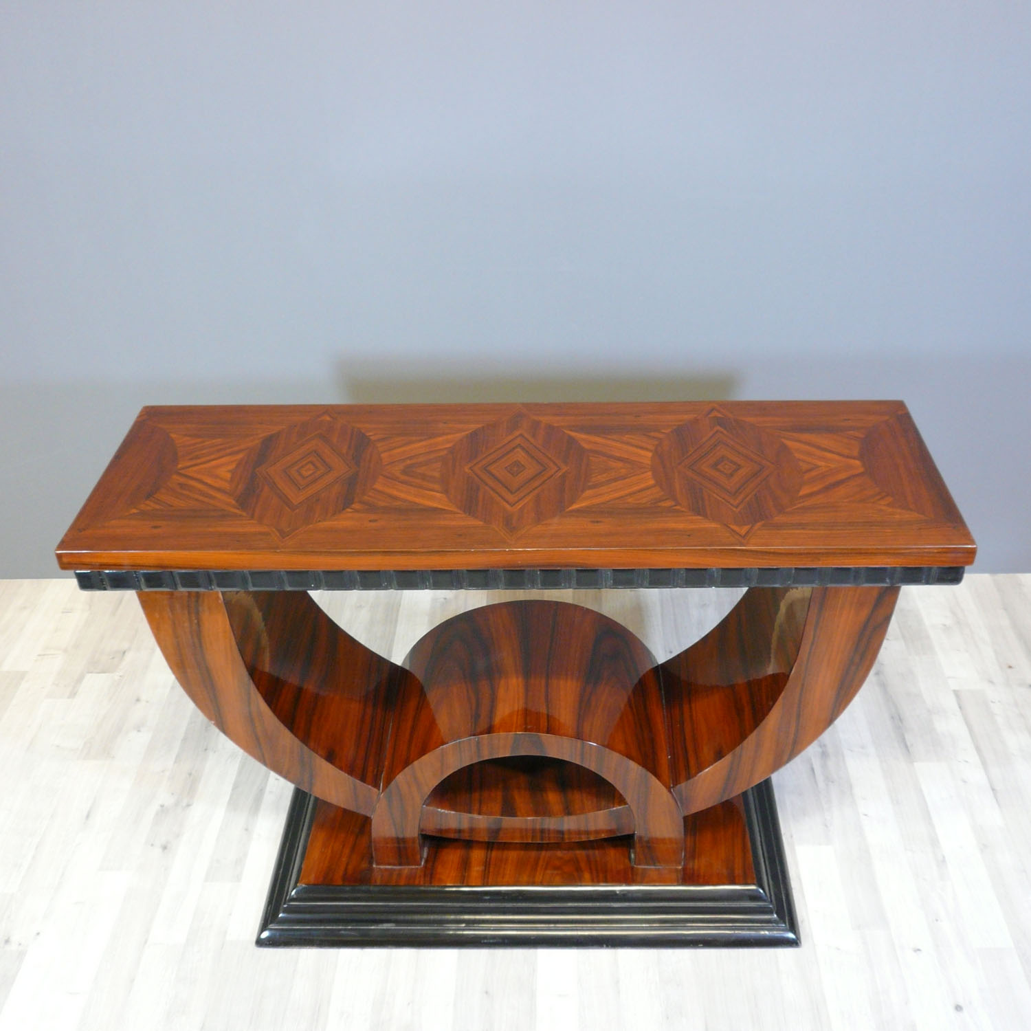 Art deco console art deco baroque for Deco baroque