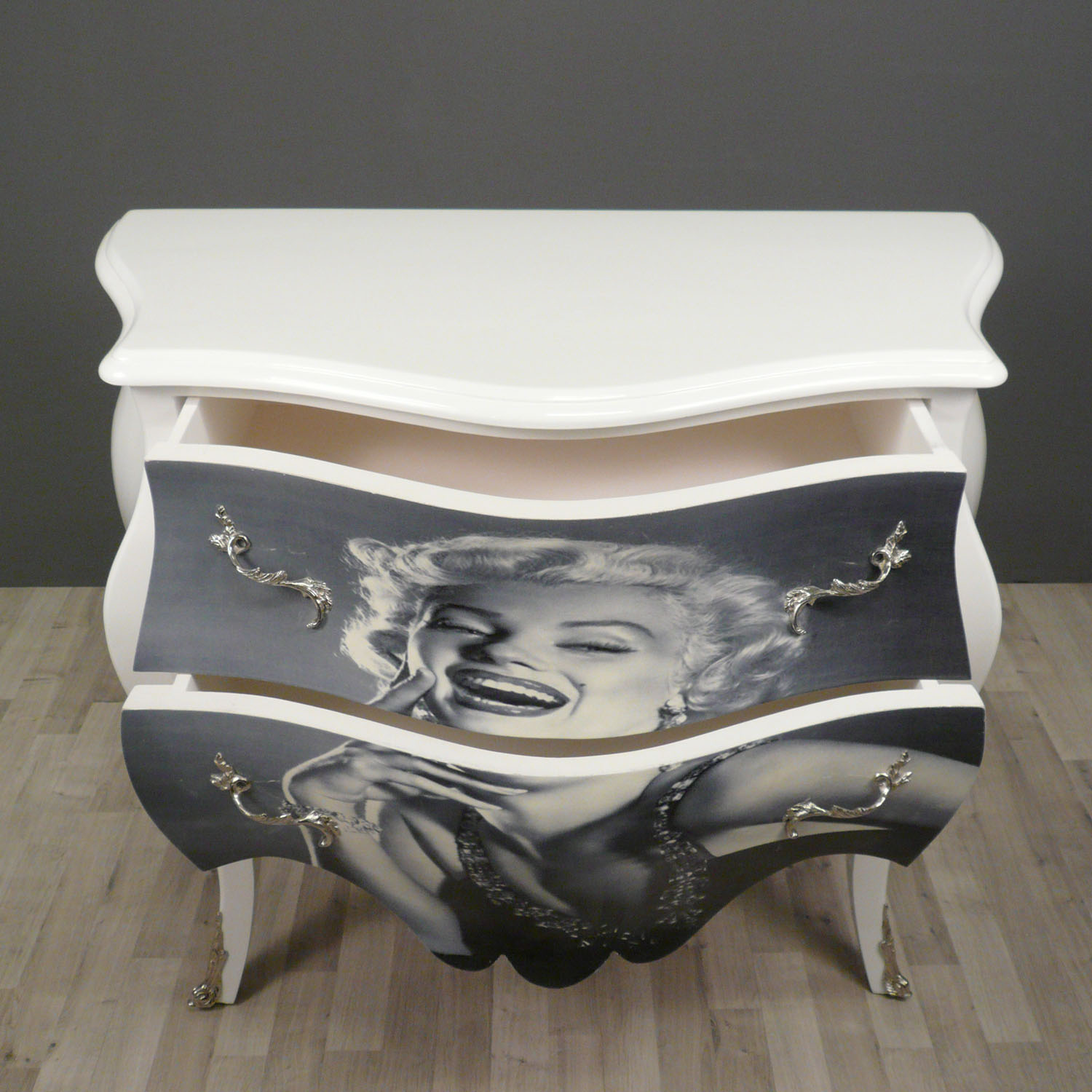 commode baroque style of louis xv marilyn tiffany. Black Bedroom Furniture Sets. Home Design Ideas