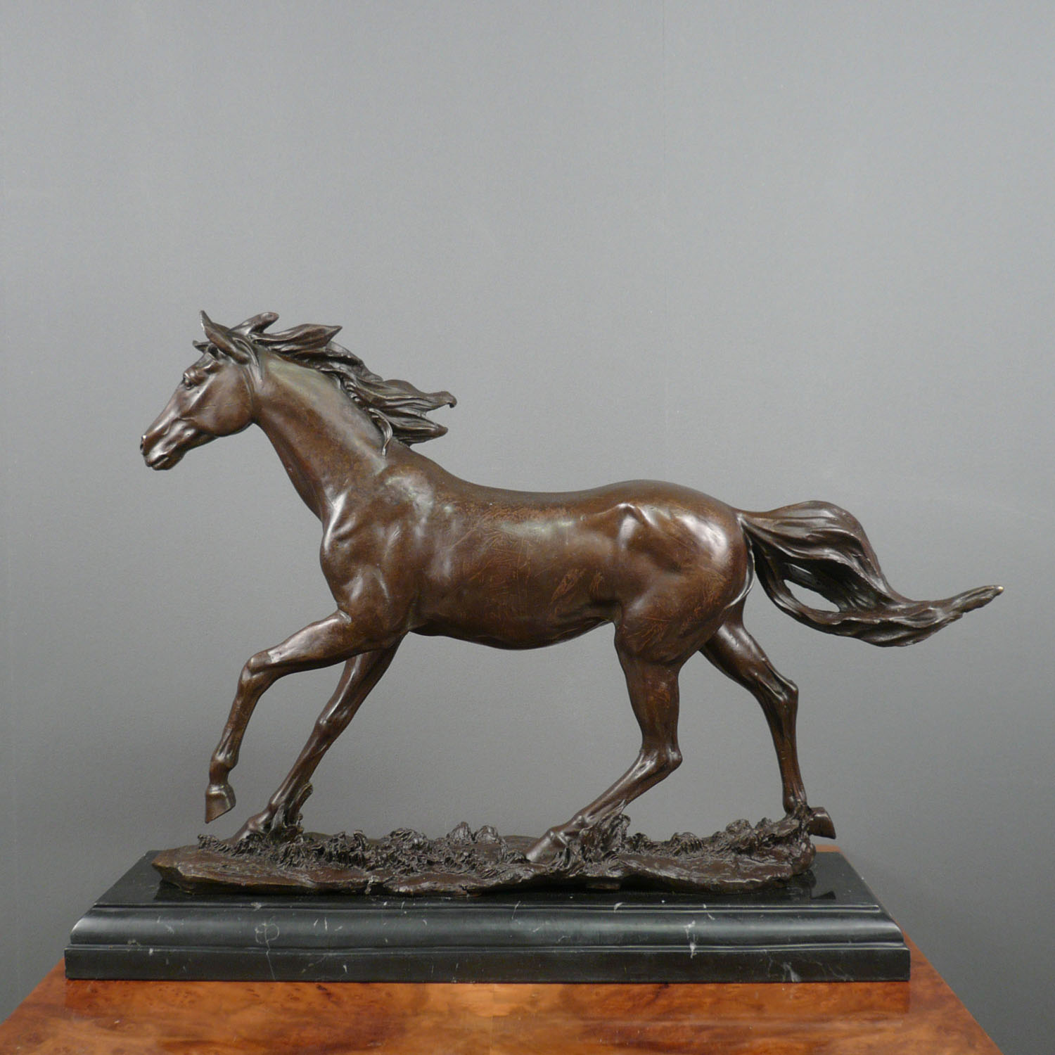 statue en bronze cheval sculpture bronze. Black Bedroom Furniture Sets. Home Design Ideas