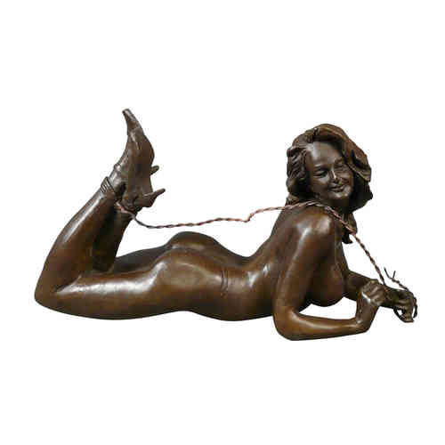 Bronze statue of a woman