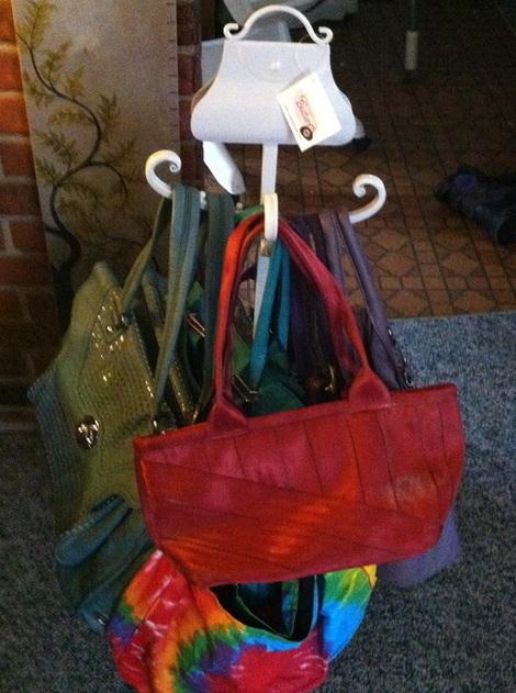 Porte sacs à main en fer forgé - Support et accroche pour sac 80a072f7005