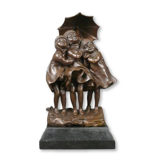 Bronze sculpture of three girls