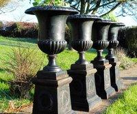 Vases Médicis en fonte pour le jardin Vase Medicis de