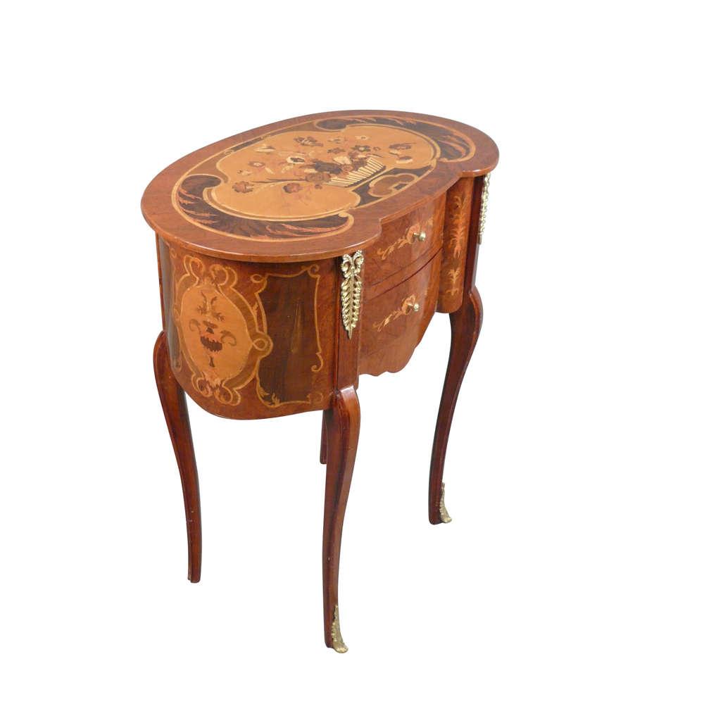 Mesa de noche de Louis XV - muebles de estilo Luis XV